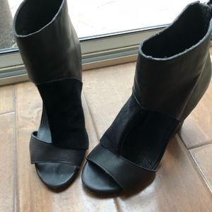 [mia limited edition] [blk leather&suede booties]